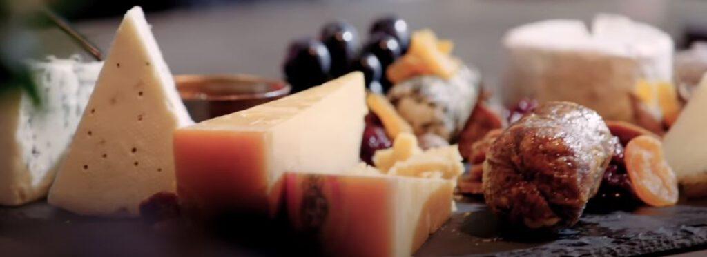 Ranskalaiset juustot lautanen
