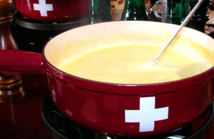 fondue juusto sveitsi